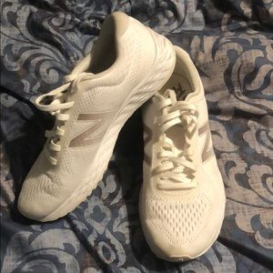 Women's New Balance Arishi Sneakers